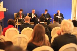 De gauche à droite : Justin VAÏSSE, Jean-François DAGUZAN, Marc TREVIDIC et Michel WIEVIORKA