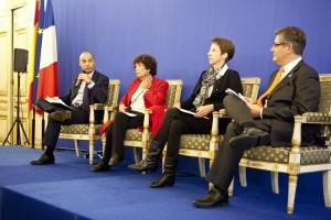 De gauche à droite, Didier LE BRET, Françoise RUDETZKI, Isabelle DEWAILLY, Guillaume DENOIX de SAINT MARC.