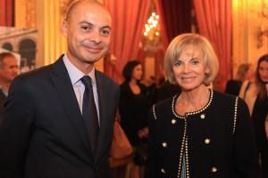 Didier Le Bret, Directeur du Centre de crise, et Elisabeth Guigou, ministre de la Justice dans le gouvernement de Lionel Jospin.